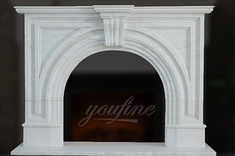 Крытый мраморный белый каминный портал в викторианском стиле